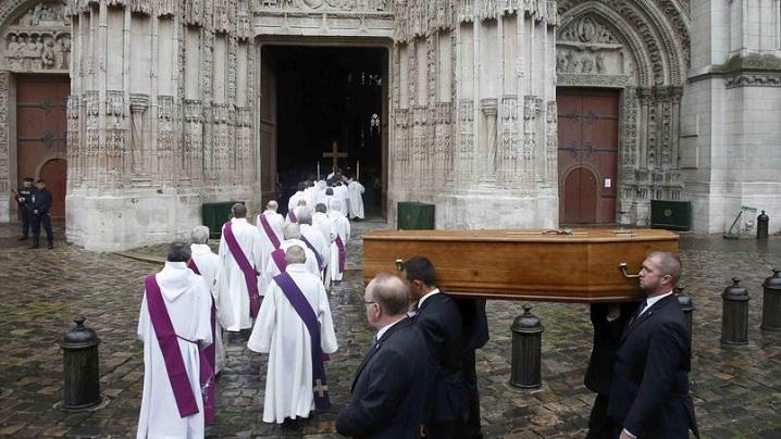 Încredere în om până la ultima respiraţie. Înmormântarea preotului francez ucis de jihadişti