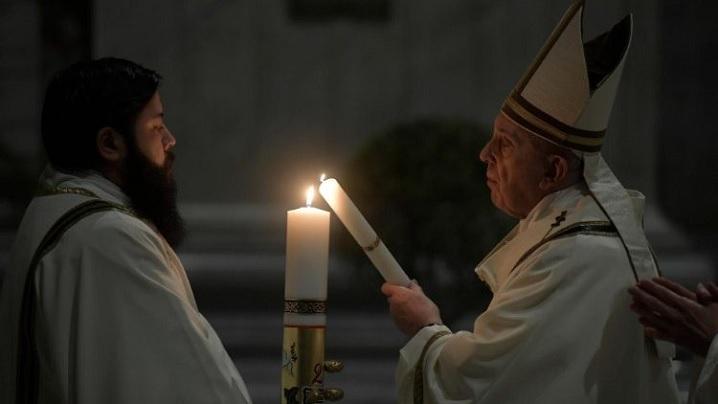 Slujbele Săptămânii Sfinte 2021 cu papa Francisc. Transmisiuni live pe TVR 2