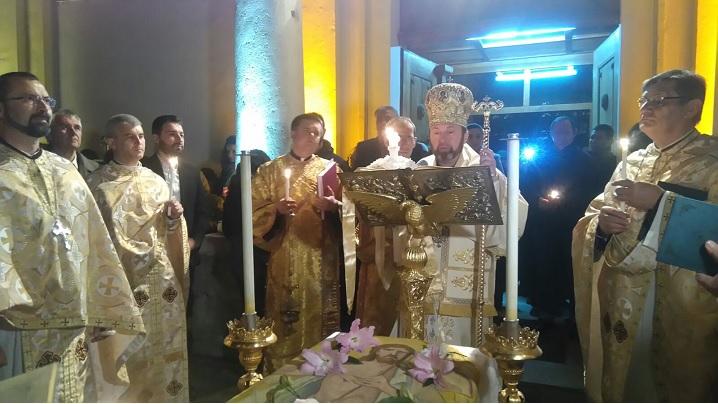 FOTO: Slujba Învierii Domnului în parohiile Arhieparhiei de Alba Iulia și Făgăraș