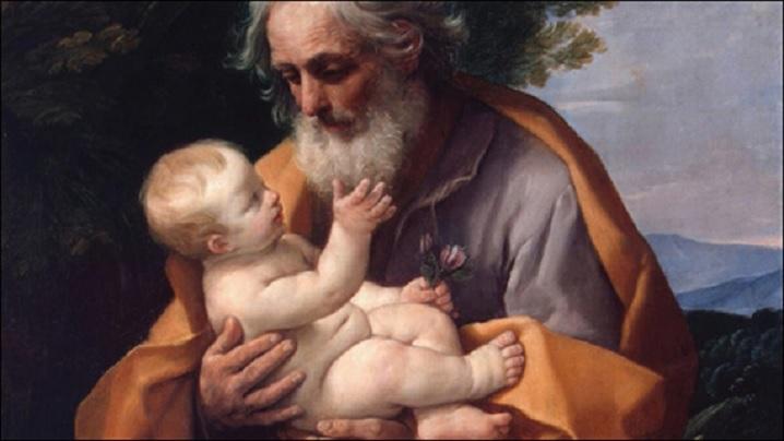 Yosef, omul care l-a purtat în braţe, l-a condus, l-a sărutat, a dat de mâncare Fiului lui Dumnezeu