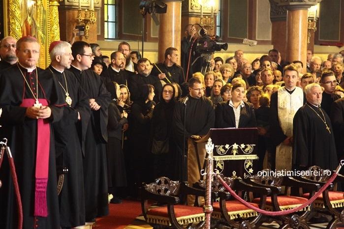 FOTO: Episcopii catolici la căpătâiul IPS Nicolae Corneanu