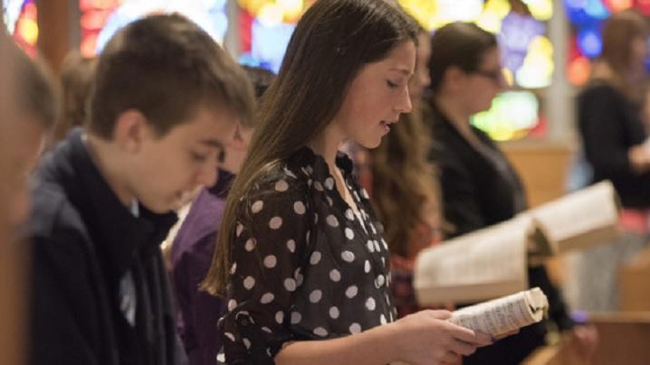 De ce un tânăr i-a spus preotului că nu mai vine niciodată la biserică