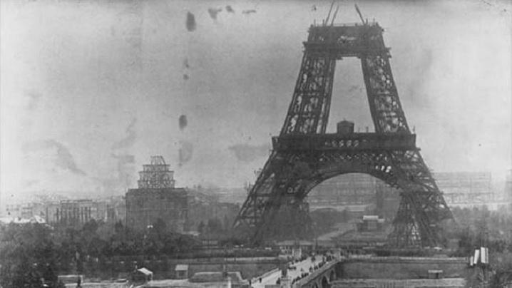 """Turnul Eiffel a fost """"construit"""" de un român"""