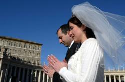 Papa Francisc invită logodnicii la Vatican de Sfântul Valentin