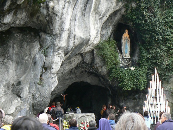 ANUNȚ: Sfânta Liturghie pentru toți vizitatorii site-ului e-communio.ro se va celebra la Lourdes