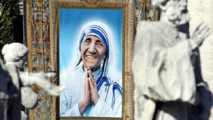 Papa Francisc a confirmat canonizarea Maicii Tereza de Calcutta
