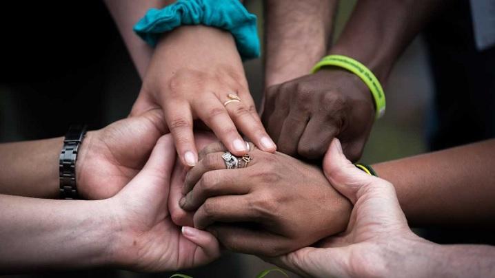Există roade pe calea unităţii, chiar dacă uneori nu se văd