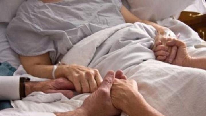 O mamă s-a trezit din comă după 27 de ani