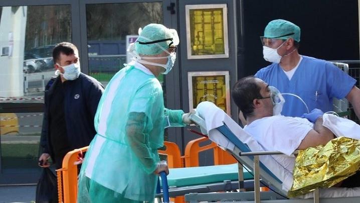 """""""Adoptă un medic"""": campanie de rugăciune lansată de episcopi"""