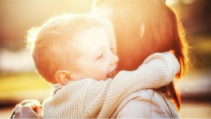 Mamelor, fiți atente și bune cu copiii voștri!