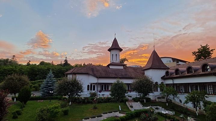 Descoperă mănăstirea Maicii Domnului din Cluj-Napoca