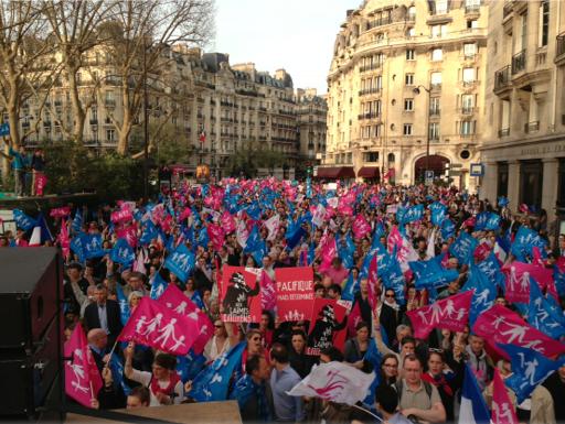 Manifestațiile pentru sustinerea familiei creștine continuă la Paris fără intrerupere