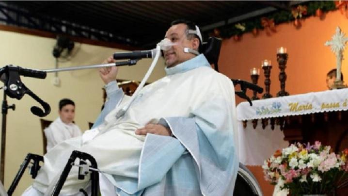 VIDEO: După un accident grav îi mulțumește lui Dumnezeu pentru boala sa