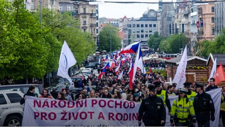 5.000 de persoane la Marşul pentru Viaţă de la Praga