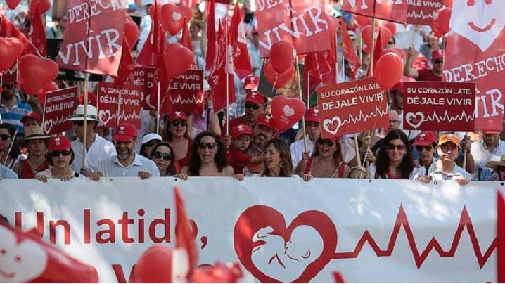 FOTO, VIDEO. Ce nu ai văzut la televizor: 800.000 de participanți la Marșul pentru Viață de la Lima