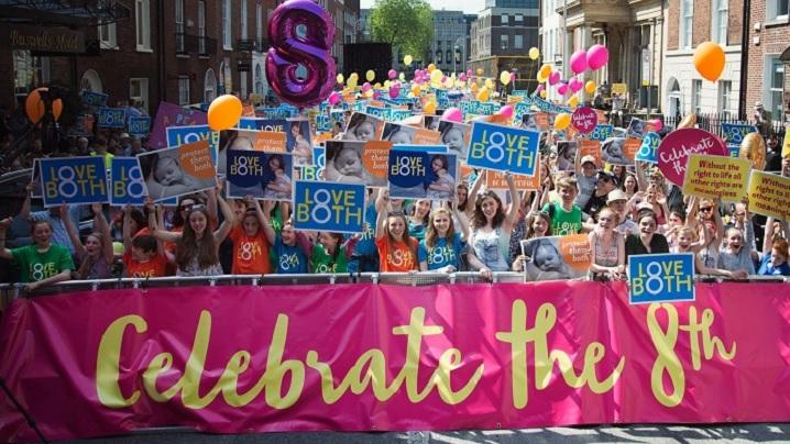 Dublin: Mii de persoane susțin protecția constituțională a dreptului la viață