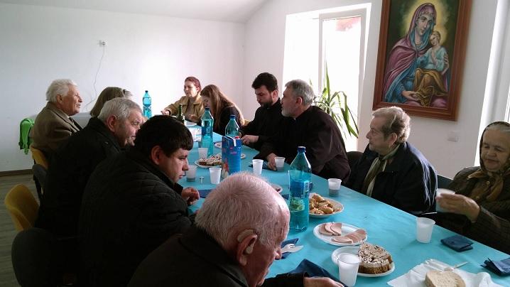 FOTO: Masa cu seniorii parohiei