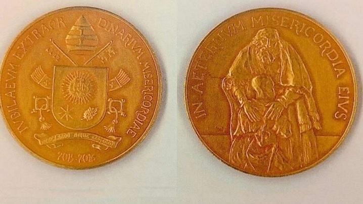 Medalia oficială a Jubileului extraordinar al milostivirii