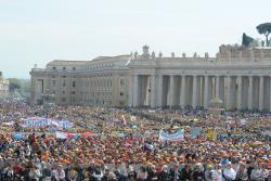 La Roma sunt aşteptate peste 120 de mii de persoane la Ziua Mişcărilor Bisericeşti, Asociaţiilor şi Grupurilor de laici