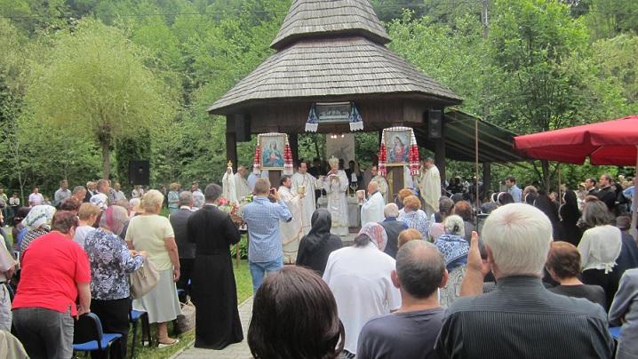 FOTO: Tradiţionalul pelerinaj la Mănăstirea din Molişet