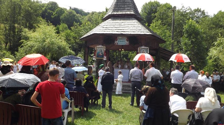 Tradiţionalul pelerinaj la Mănăstirea din Molişet