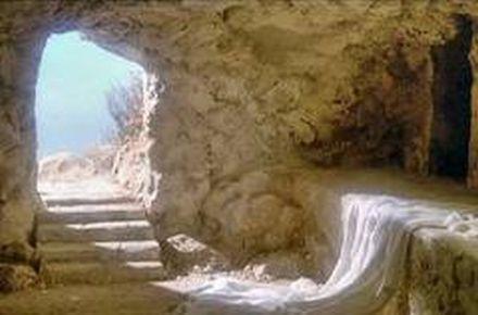 În faţa mormântului gol: Nu este aici! A înviat!