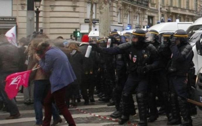 Violență împotriva manifestanților pro-famile: guvernul francez va trebui să dea explicații în fața Europei