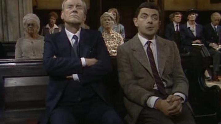 Mr. Bean ne explică cum să nu ne comportăm în timpul Sfintei Liturghii