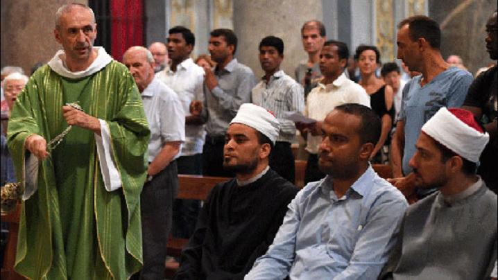 Musulmanii pot să asiste la Liturghie în întregimea sa?