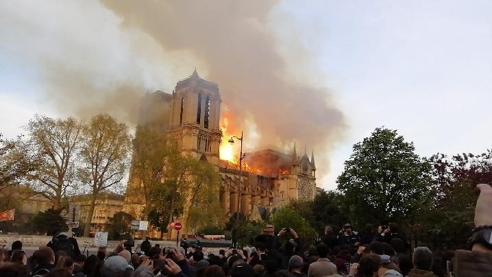 Video/Foto: Inima Parisului în flăcări. Primele declarații