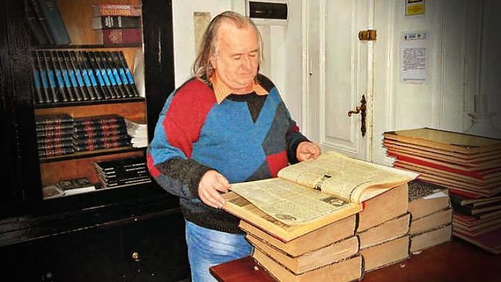 Cercetătorul Vasile Todinca, distins de episcopul Claudiu Pop