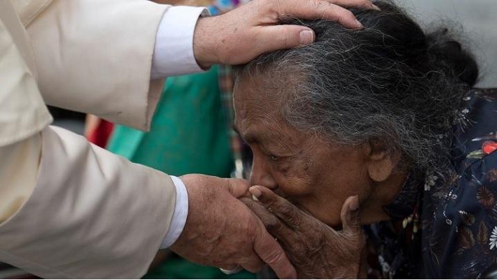 Un nou ambulatoriu, darul papei Francisc pentru oamenii străzii