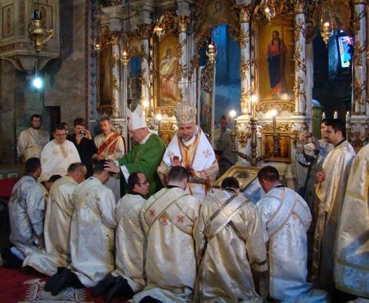 Hirotoniri: 8 diaconi și 3 preoți în Eparhia de Oradea