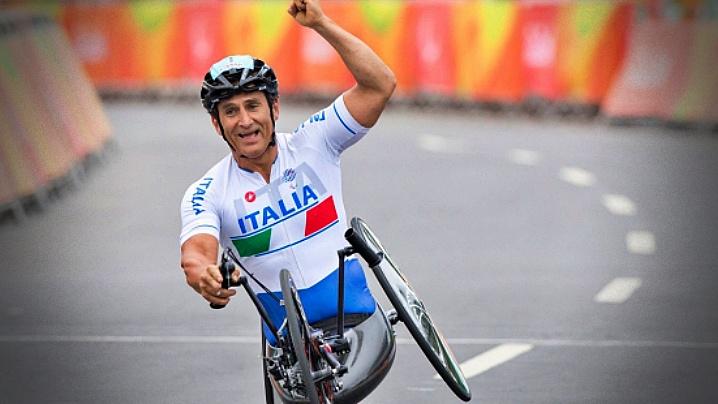 Scrisoarea Papei Francisc către campionul grav rănit Alessandro Zanardi