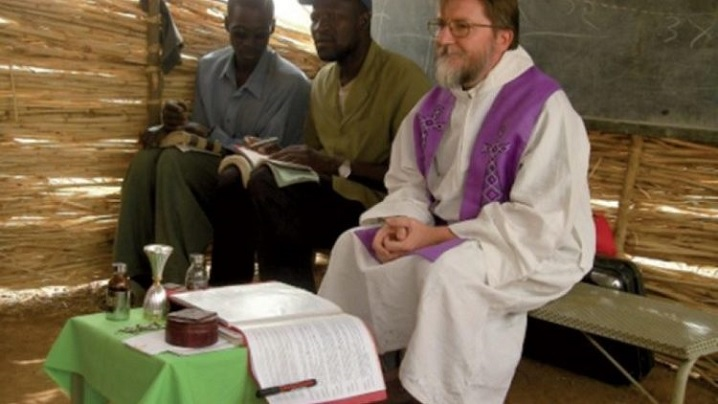 Părintele misionar Pierluigi Maccalli eliberat în luna misiunilor şi a Rozariului