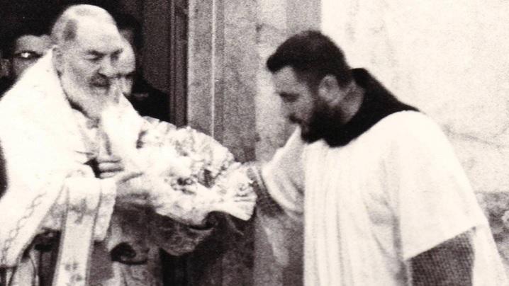 Stigmatele extrem de dureroase pe care Padre Pio le-a ascuns toată viața