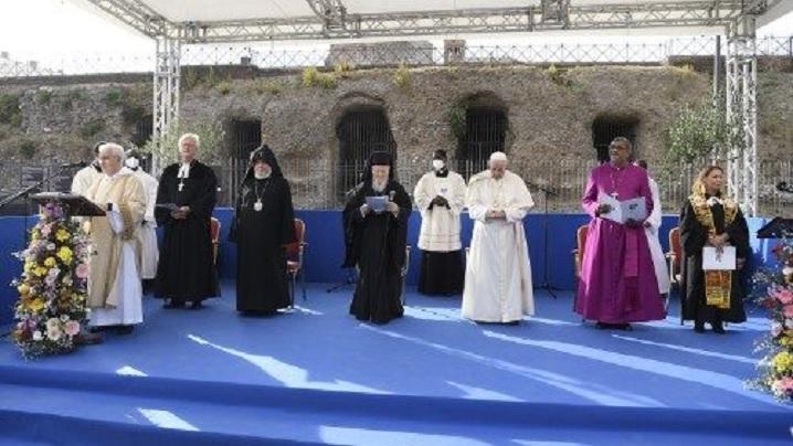 Papa Francisc: Religiile sunt chemate să demilitarizeze inima omului