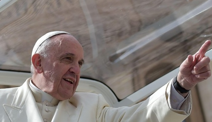 Ciclonul Francisc şi tulburarea intelectualilor