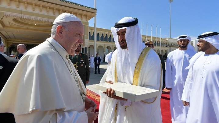 Papa Francisc a încheiat vizita de trei zile în Emiratele Arabe Unite