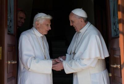 Benedict al XVI-lea a luat prânzul cu Papa Francisc