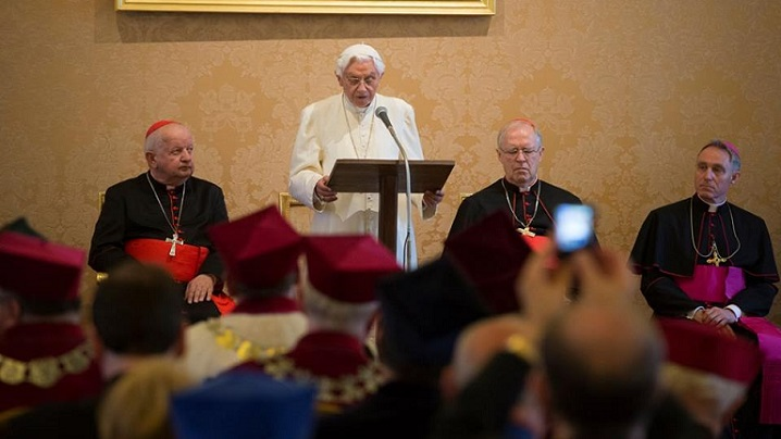 Premiul Ratzinger 2016 va fi înmânat premianților de papa Francisc