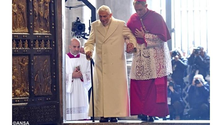 """Benedict sau urcușul anevoios pe """"muntele rugăciunii"""""""