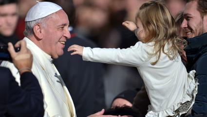 Marea provocare a Bisericii este de a fi mamă și nu un ONG
