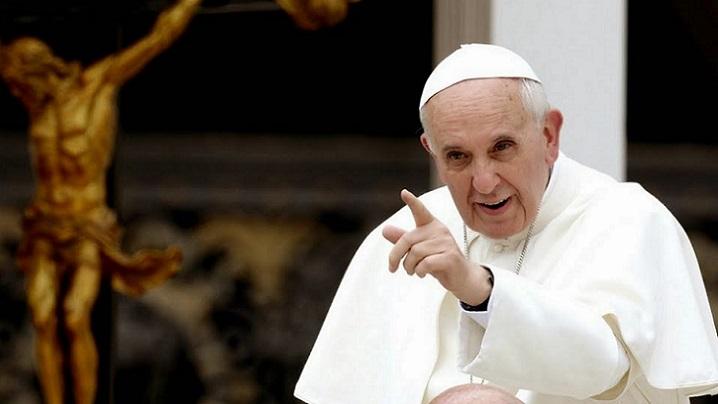 """Corupția este o formă de blasfemie, civilizația """"dumnezeului ban"""" va cădea: Papa Francisc"""