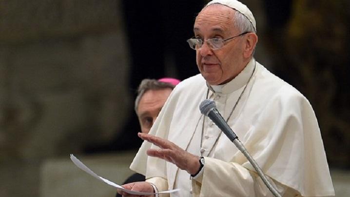Papa celebrează o Sf. Liturghie pentru migranți în bazilica Sfântul Petru