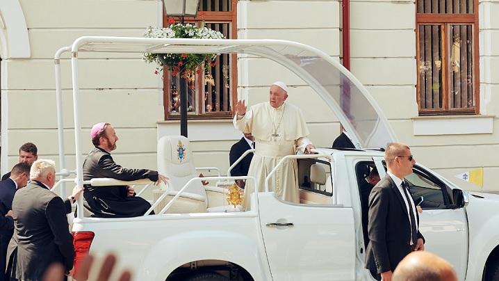 ALBUME FOTO: Vizita istorică a Sfântului Părinte Papa Francisc la Blaj - 2 iunie 2019