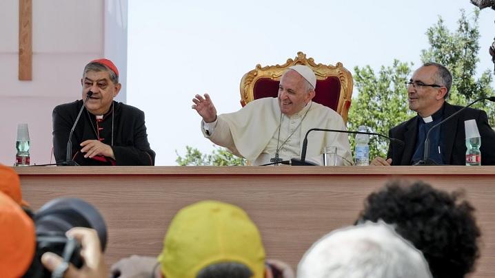 Papa Francisc: Religiile, căi de fraternitate şi nu ziduri care separă