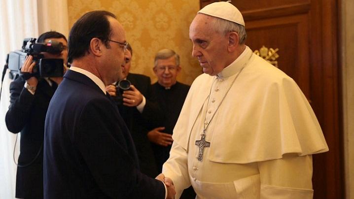 În vizită privată la papa Francisc, președintele Franței