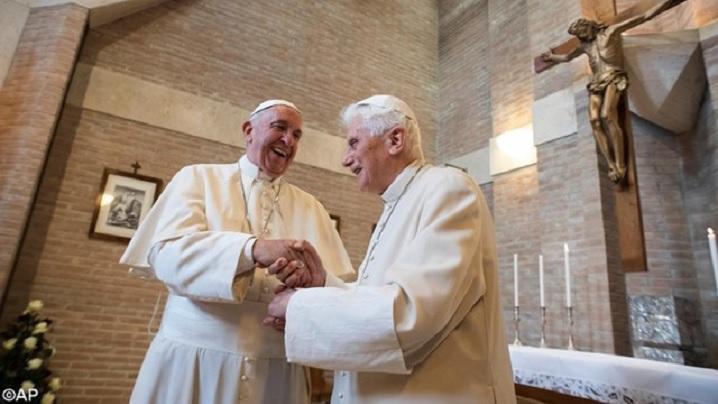 Papa Francisc și noii cardinali, în vizită la papa emerit Benedict al XVI-lea