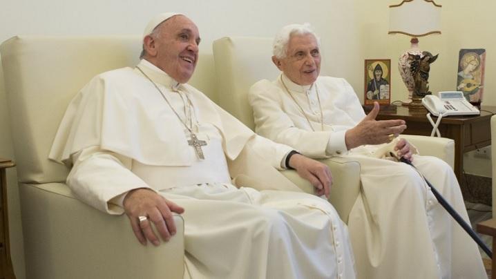 Papalitatea? Benedict şi Francisc gândesc în acelaşi mod
